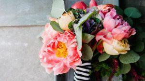 Особый подход: какие выбрать цветы на 8 марта
