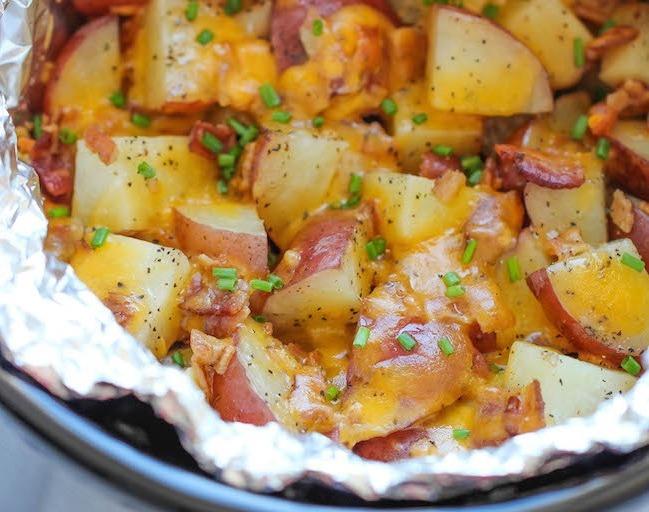 Картофель по-деревенски запеченный с беконом