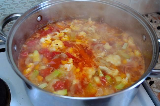 Добавьте капусту в суп