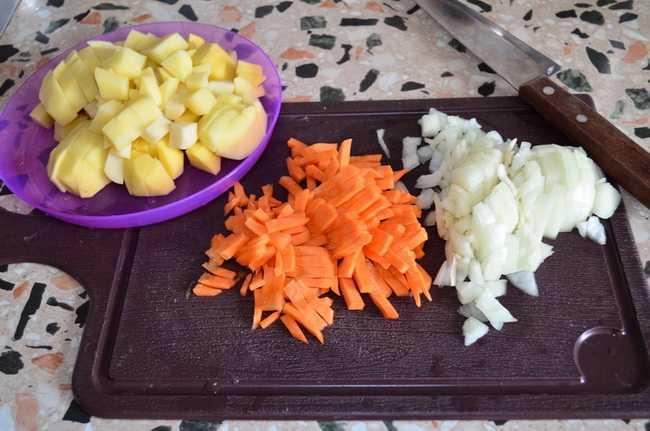 Как приготовить зеленый борщ: подготовьте продукты