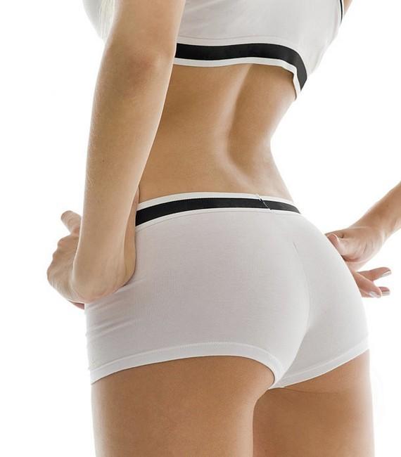 4 упражнения для стройных ног и ягодиц
