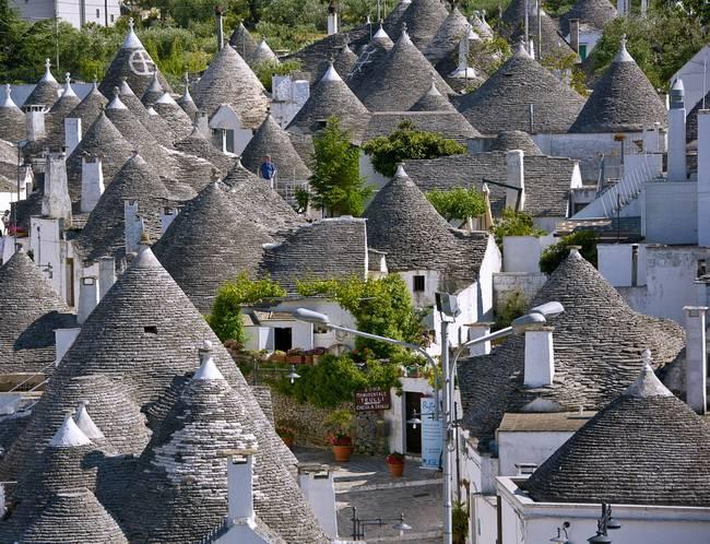Самые живописные маленькие города: Альберобелло, Италия