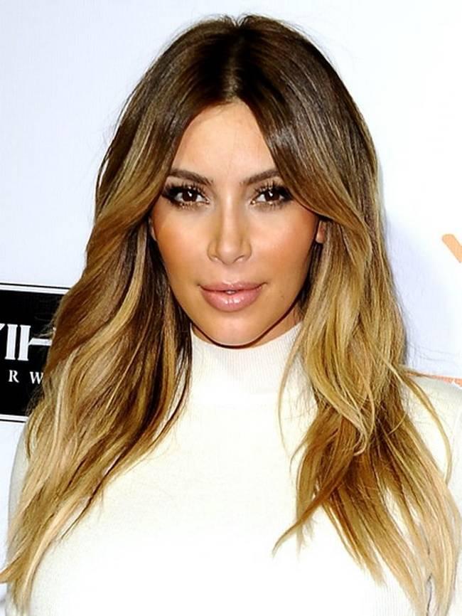 Притягательный светлый цвет волос: мед, средний тон кожи