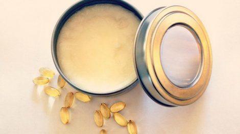 Домашний рецепт: антивозрастной крем для кожи вокруг глаз