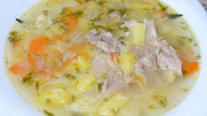 """Как приготовить простой суп с вермишелью """"паутинка"""""""