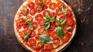 Итальянская пицца Маргарита в 4 простых шага