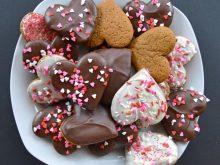 Праздничное пряное печенье - отличный повод позвать гостей