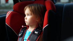 5 простых советов, если ребенка укачивает в машине