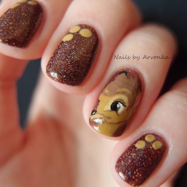 Фото коричневого маникюра с оленёнком