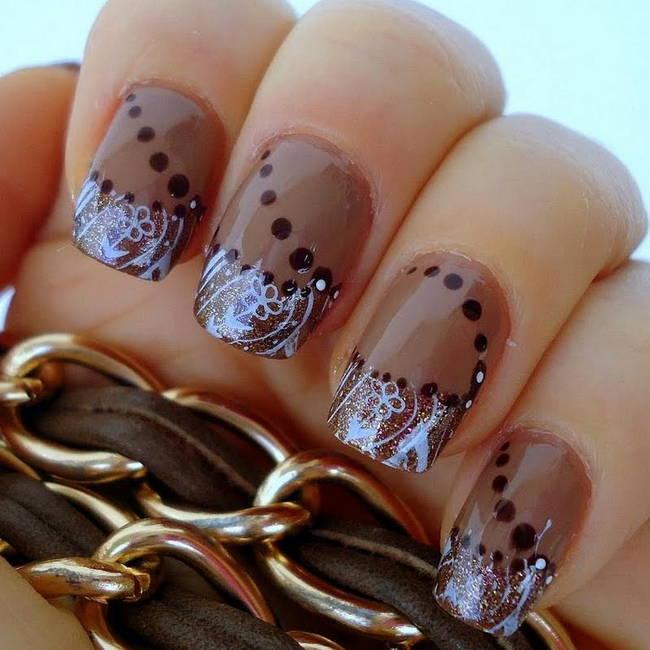 Модный коричневый френч маникюр