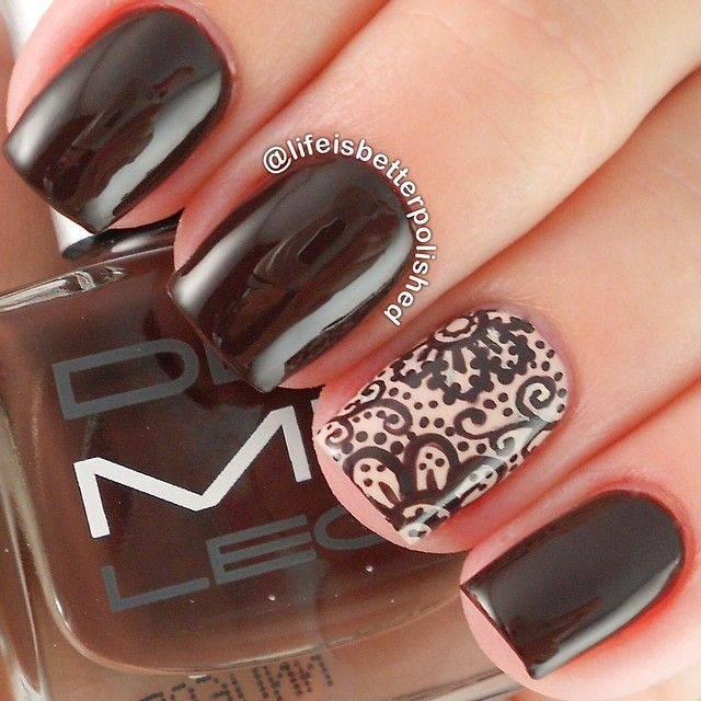 Шоколадный маникюр с узорами на ногтях