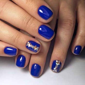 JamAdvice_com_ua_blue-nail-art-with-rhinestones_1