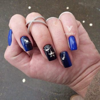 JamAdvice_com_ua_blue-nail-art-with-rhinestones_19