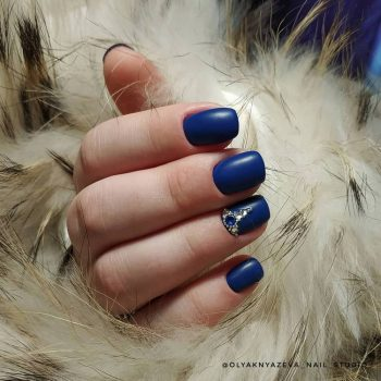JamAdvice_com_ua_blue-nail-art-with-rhinestones_7