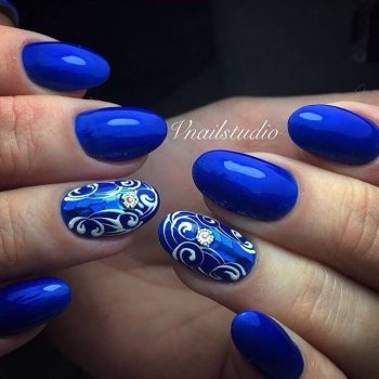 JamAdvice_com_ua_blue-nail-art-with-rhinestones_9