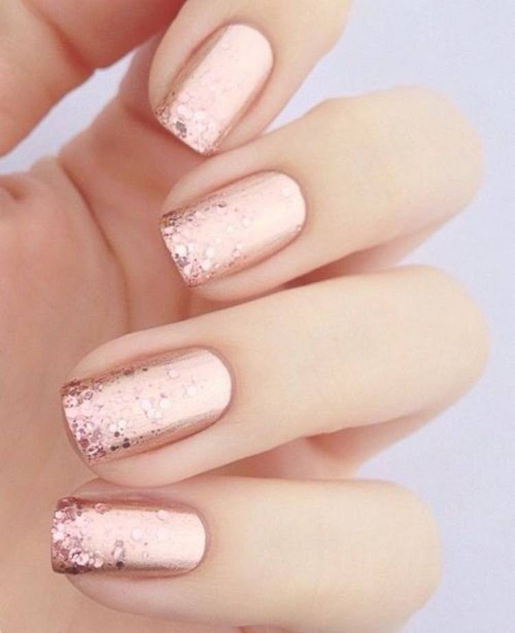 Блестки френч на ногтях