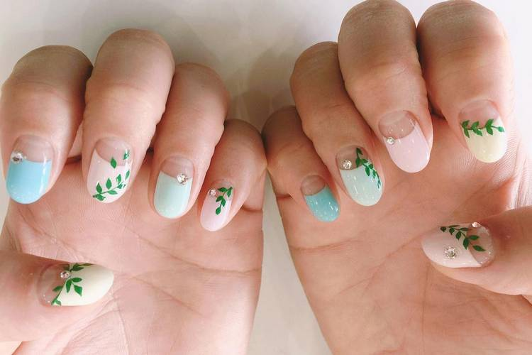 JamAdvice_com_ua_negative-space-in-the-spring-manicure-05