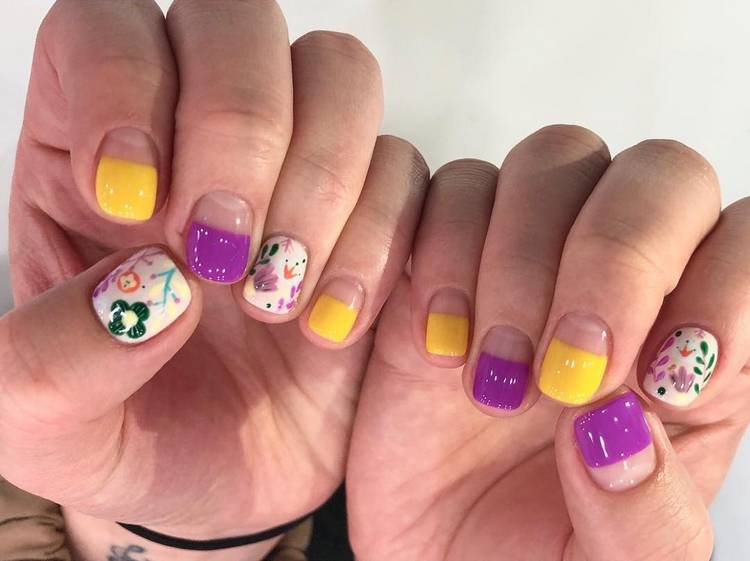 JamAdvice_com_ua_negative-space-in-the-spring-manicure-15