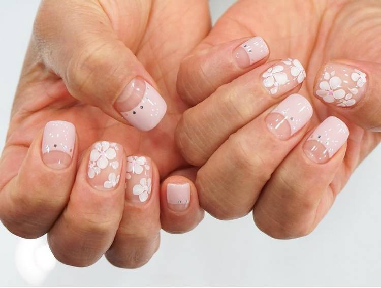 JamAdvice_com_ua_negative-space-in-the-spring-manicure-19