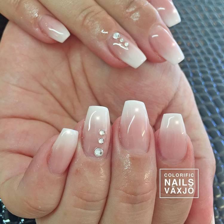JamAdvice_com_ua_ombre-in-spring-manicure-11