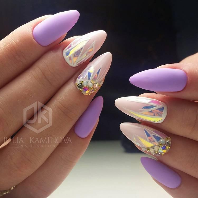 JamAdvice_com_ua_drawings-on-nails-broken-glass-4.jpg