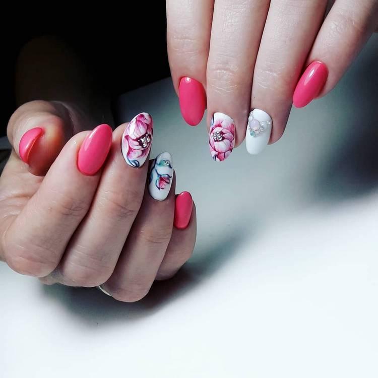 JamAdvice_com_ua_drawings-on-nails-flowers-2