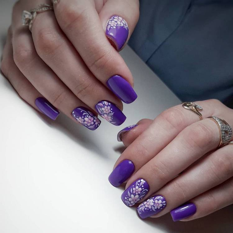 JamAdvice_com_ua_drawings-on-nails-flowers-4