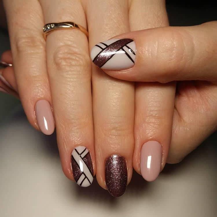 JamAdvice_com_ua_drawings-on-nails-geometric-3