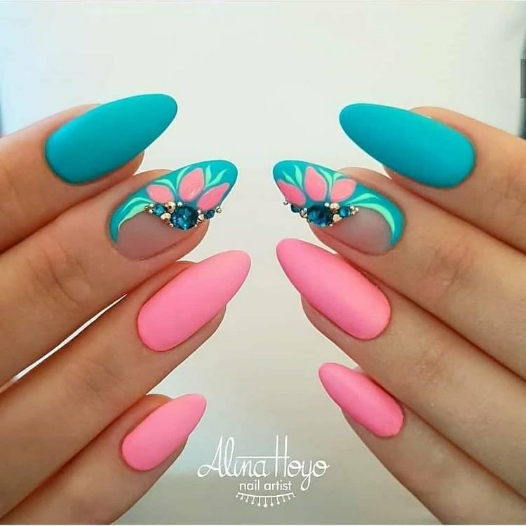 JamAdvice_com_ua_drawings-on-nails-rhinestones-3