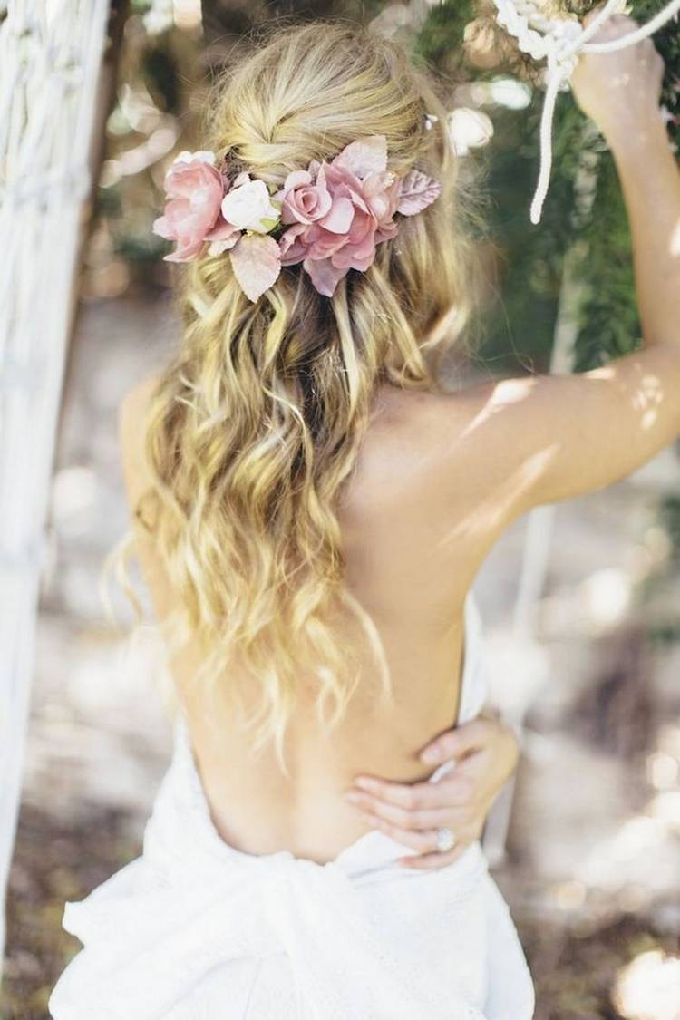 JamAdvice_com_ua_wedding-hairstyles-for-long-hair-with-flowers-1