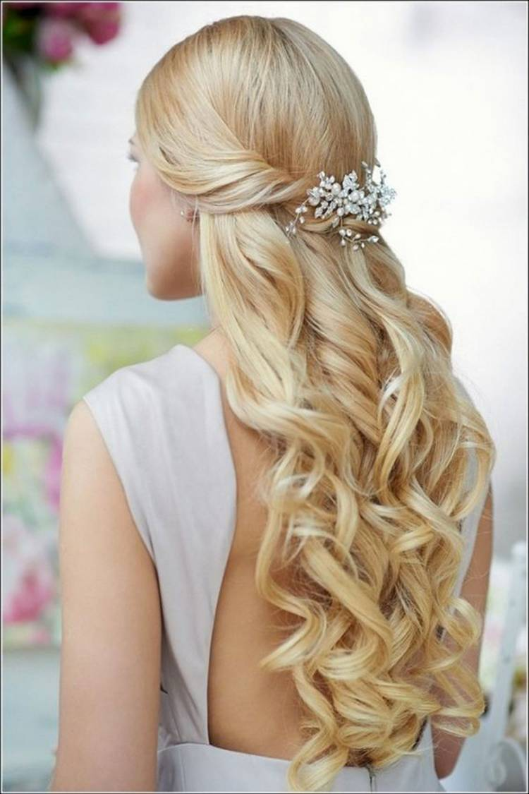 JamAdvice_com_ua_wedding-hairstyles-for-long-hair-with-twisted-hair-3