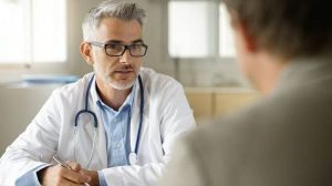 Лечение геморроя: народная медицина, мазь или хирургическое вмешательство?