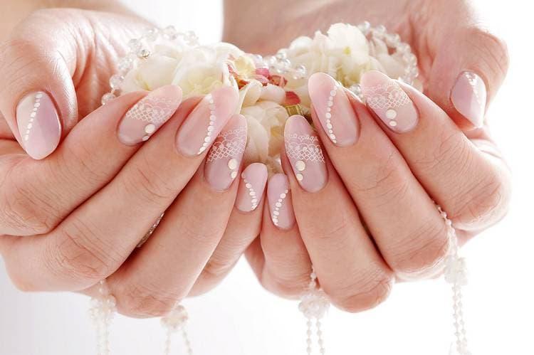 JamAdvice_com_ua_Wedding-manicure-with-lace-1