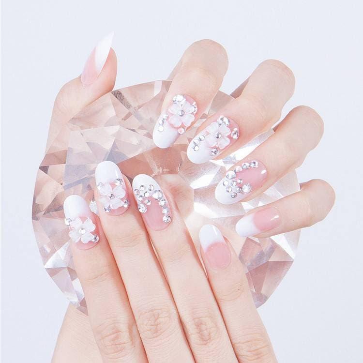JamAdvice_com_ua_Wedding-manicure-with-rhinestones-22