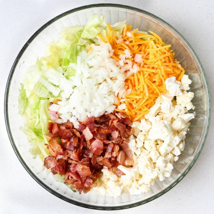 Нежный салат из пекинской капусты с беконом