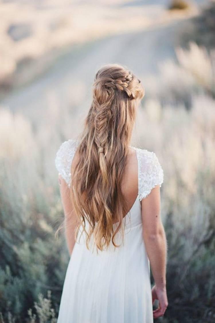 Свадебная прическа 2021 в стиле бохо