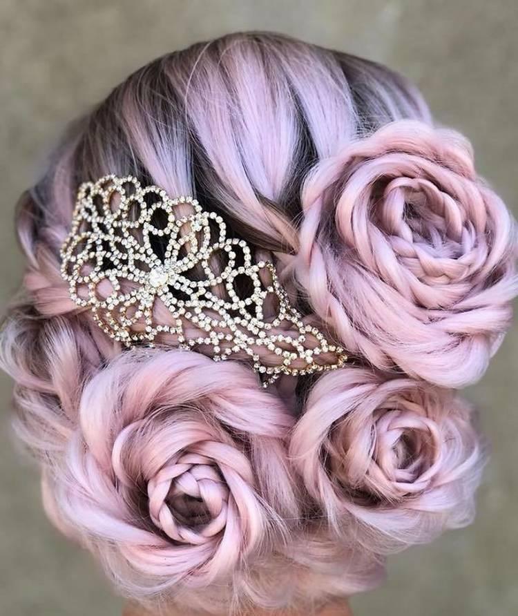 Свадебная прическа с цветами из волос