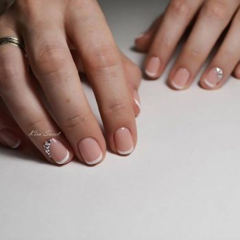 JamAdvice_com_ua_wedding-manicure-on-short-nails_3