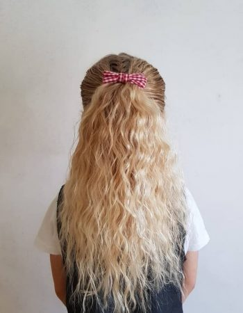 JamAdvice_com_ua_hairstyles-for-the-first-of-September-with-curls_3