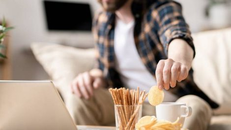 Как остановить карантинное переедание