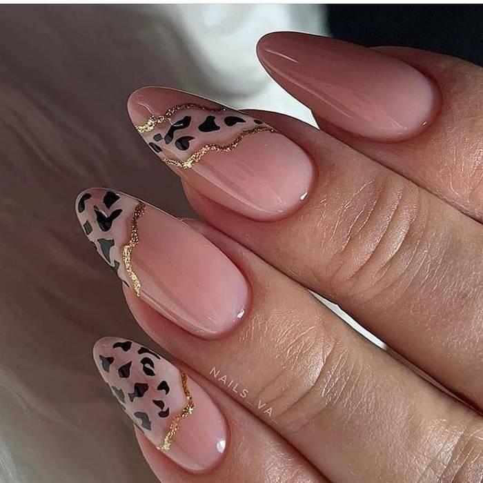Красивые нюдовые ногти