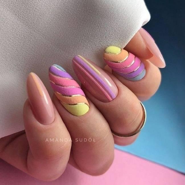 Модные тенденции розового маникюра