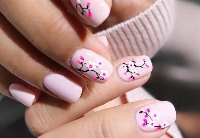 Нежно-розовый маникюр