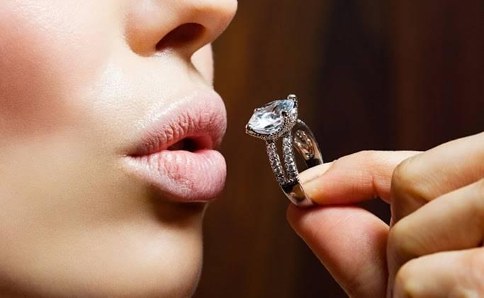Стильные ювелирные украшения для женщины