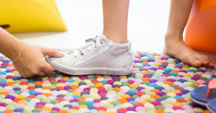 Как правильно подобрать размер ортопедической обуви для детей