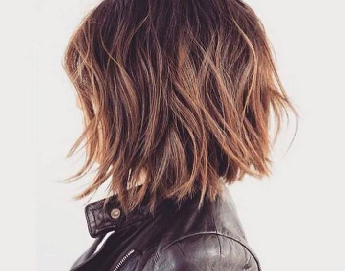 Стрижка Каре на средние волосы