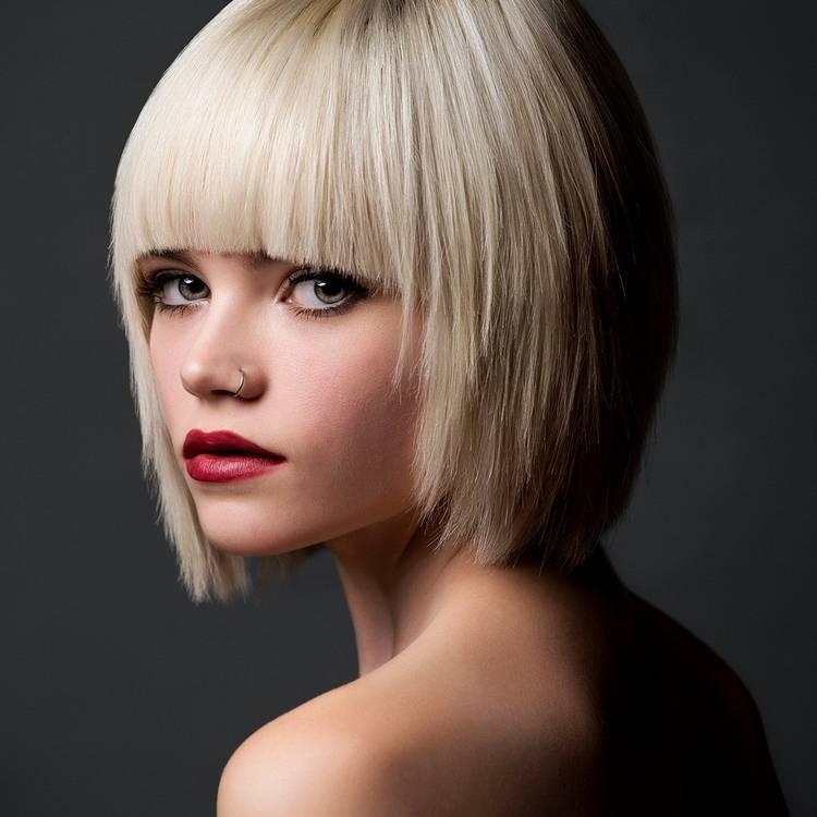Новогодняя стрижка Каре на средние волосы