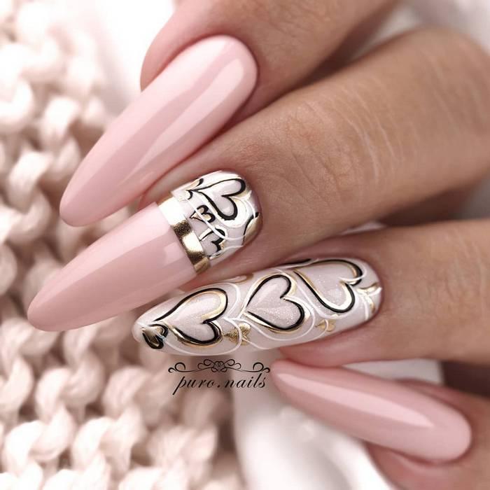 Маникюр с сердечками на длинные ногти