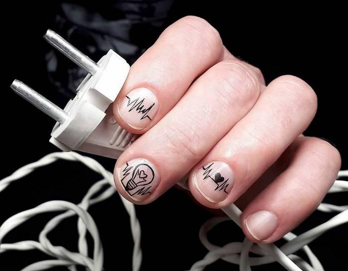 Миниатюрные рисунки на ногтях в мужском маникюре