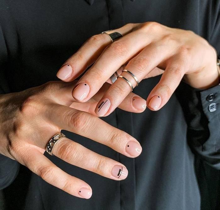 Геометрические рисунки на ногтях в мужском маникюре